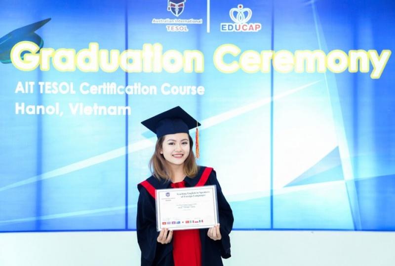 Cô gái Tày và khát khao truyền cảm hứng học ngoại ngữ cho các bạn trẻ