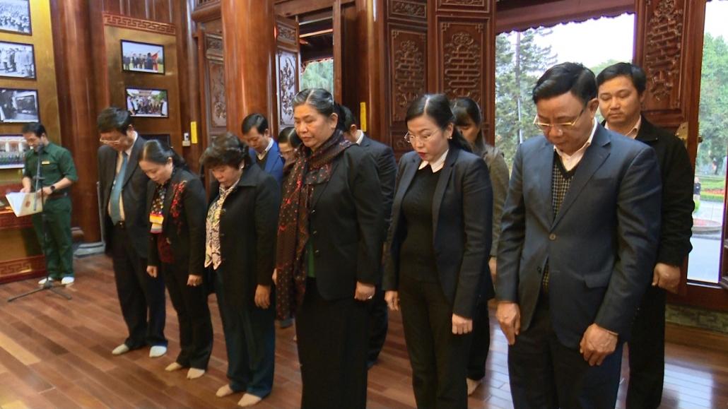 Đồng chí Tòng Thị Phóng, Ủy viên Bộ Chính trị, Phó Chủ tịch Thường trực Quốc hội thăm và làm việc tại Thái Nguyên - Vân xem lại tin chưa chuẩn
