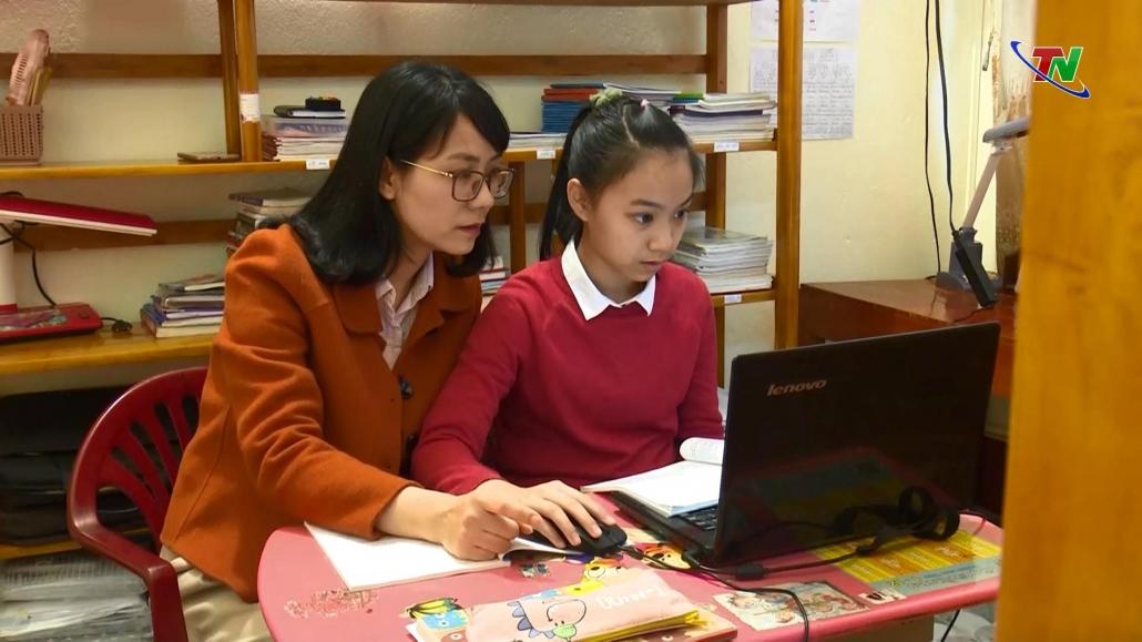 Thái Nguyên: Tạm dừng đến trường nhưng không dừng việc học
