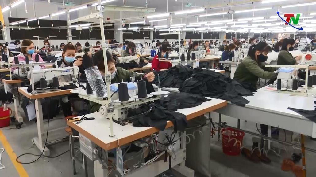 Công nhân lao động ổn định trở lại làm việc sau Tết Nguyên đán