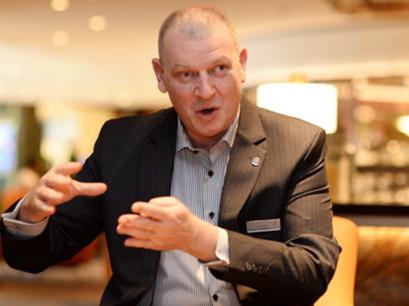 Tổng Giám đốc người Úc góp ý Nghị quyết Đảng
