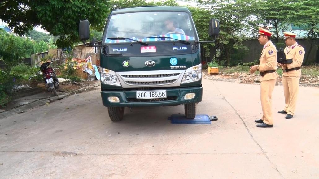 Phú Bình: Tăng cường kiểm soát xe quá tải