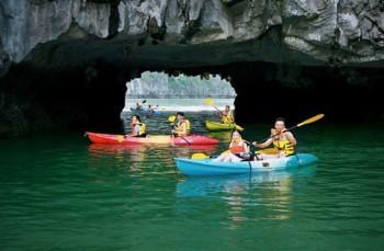 ban lai phuong an khai thac cheo thuyen kayak tren vinh ha long