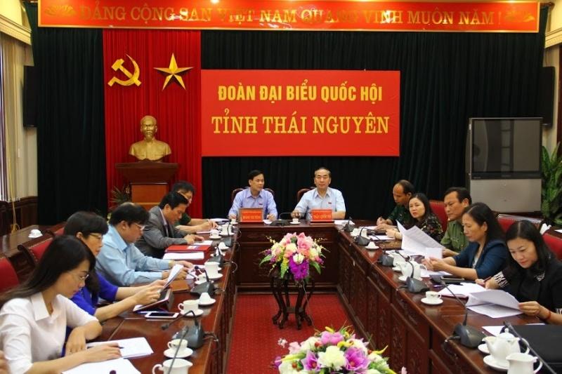phien chat van va tra loi chat van cua uy ban thuong vu quoc hoi