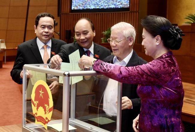 Quốc hội miễn nhiệm Thủ tướng Nguyễn Xuân Phúc
