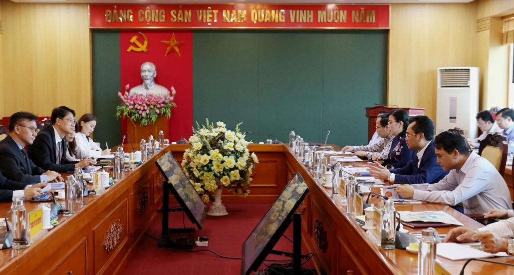 Đồng chí Bí thư Tỉnh ủy tiếp và làm việc với Công ty TNHH Phát triển Phú Mỹ Hưng