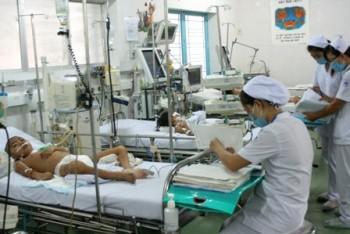 TPHCM: Hơn 7.700 ca sốt xuất huyết và tay chân miệng
