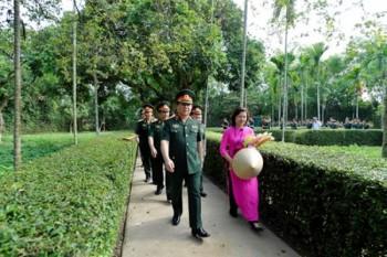 Toàn quân đẩy mạnh học tập và làm theo tư tưởng, đạo đức, phong cách Hồ Chí Minh, phấn đấu xứng danh Bộ đội Cụ Hồ trong thời kỳ mới
