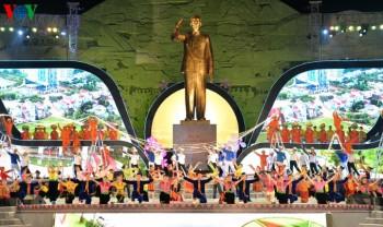 Lãnh đạo Đảng, Nhà nước dự Lễ kỷ niệm 60 năm Bác Hồ về thăm Tây Bắc