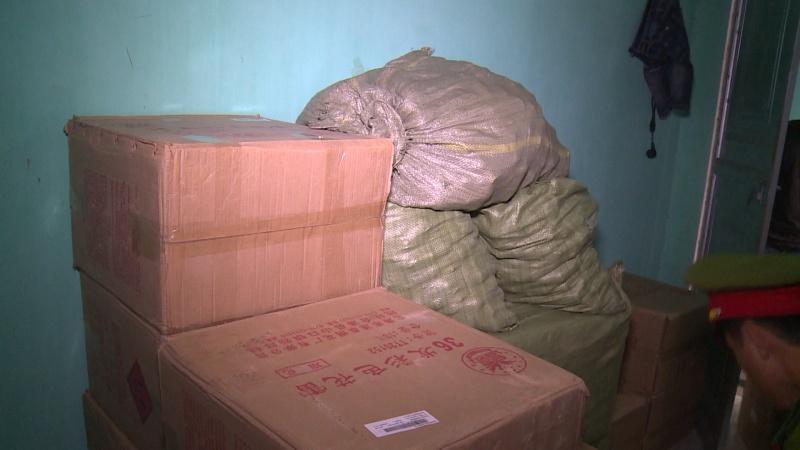 thai nguyen bat giu doi tuong van chuyen trai phep 773kg phao no