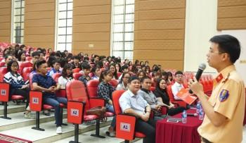 Khoa Quốc tế - Đại học Thái Nguyên: Tuyên truyền, giáo dục pháp luật an toàn giao thông cho sinh viên
