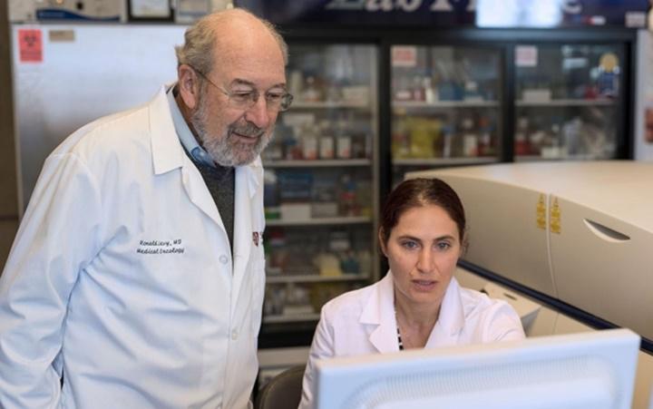 """Vaccine"""" chữa ung thư sẽ có trong 1-2 năm nữa?"""
