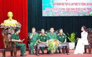Đảng ủy Sư đoàn 5 tọa đàm về đẩy mạnh học tập và làm theo tư tưởng, đạo đức, phong cách Hồ Chí Minh