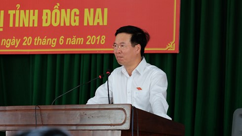 ong vo van thuong khong bao gio co chuyen ban dat cho nuoc ngoai