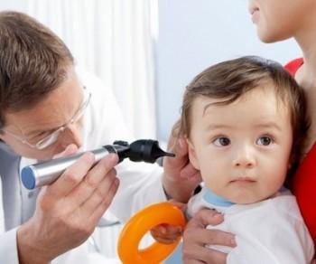 Trẻ dễ bị viêm tai giữa tiết dịch