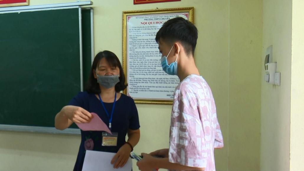 Kỳ thi tuyển sinh lớp 10 Trường THPT Chuyên Thái Nguyên diễn ra an toàn, nghiêm túc