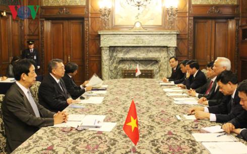 Phó Chủ tịch Quốc hội hội kiến lãnh đạo Thượng viện, Hạ viện Nhật Bản