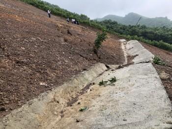 Lãnh đạo UBND tỉnh kiểm tra điểm nguy cơ sạt lở tại xã Tân Thái