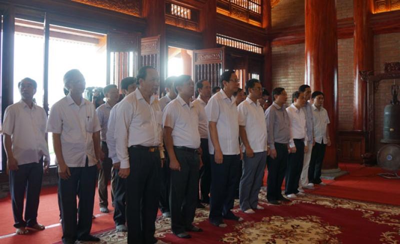Bộ trưởng Bộ Lao động, Thương binh và Xã hội dâng hương tại Khu di tích lịch sử Quốc gia