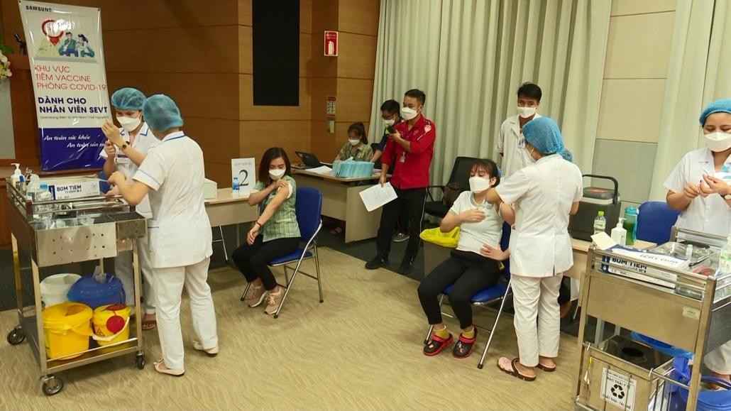 Triển khai chiến dịch tiêm vắc xin phòng COVID-19 cho công nhân, người lao động
