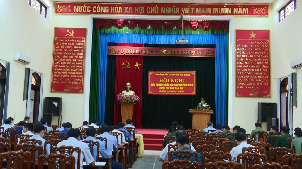 Giao nhiệm vụ diễn tập khu vực phòng thủ huyện Phú Bình năm 2021