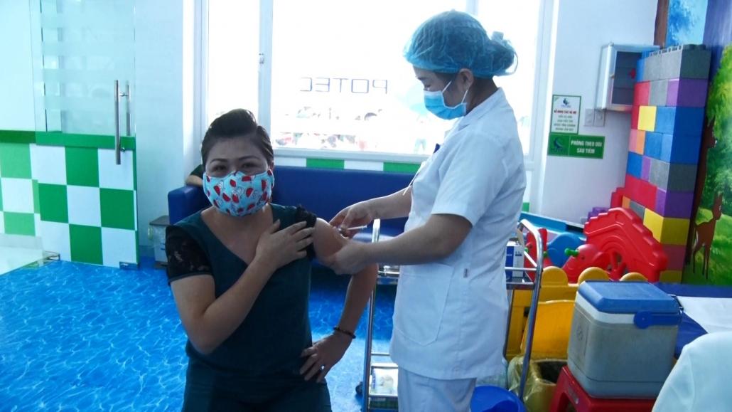 Tập trung tiêm vắc xin phòng COVID-19 đợt 5 an toàn và hiệu quả