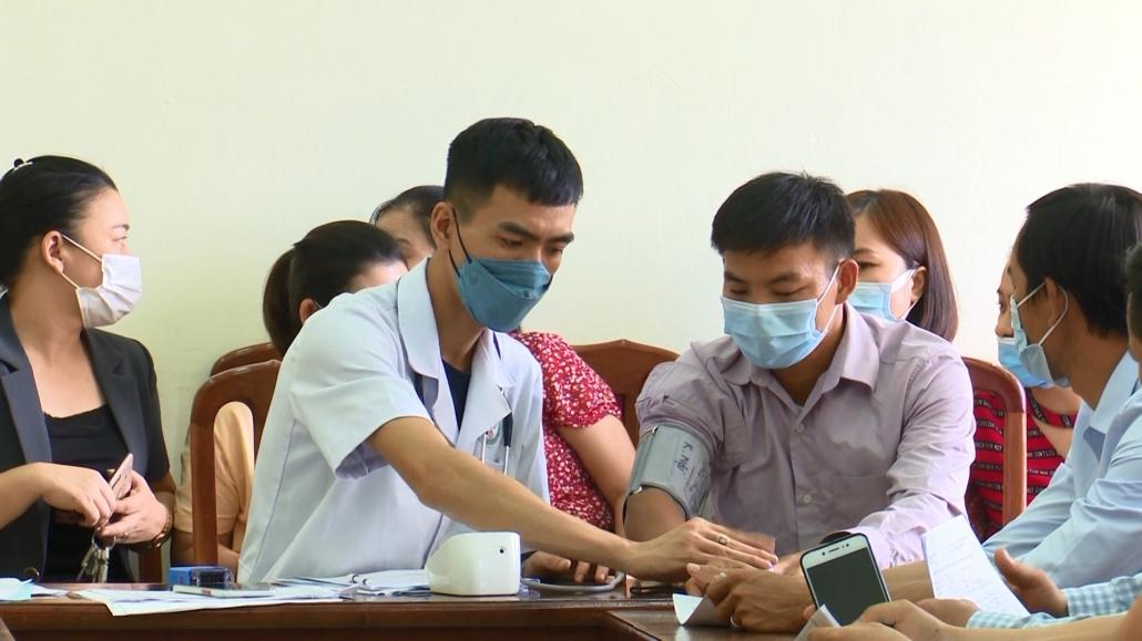 Triển khai tiêm vắc xin phòng COVID-19 cho chức sắc, chức việc