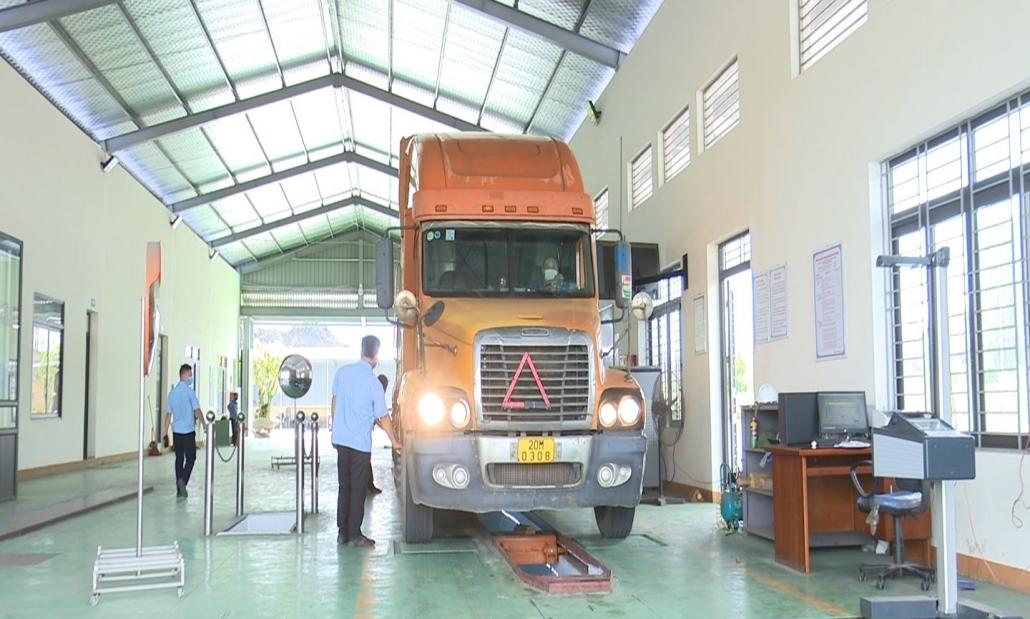 Kiểm soát lượng khí thải của các phương tiện tham gia giao thông