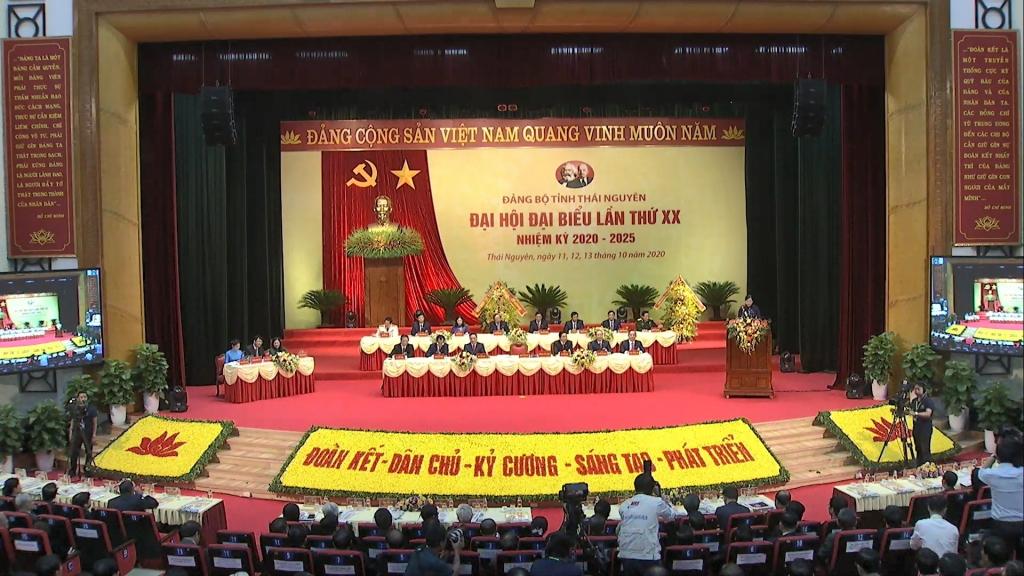 Nhiều tham luận đóng góp tại Đại hội đại biểu Đảng bộ tỉnh lần thứ XX