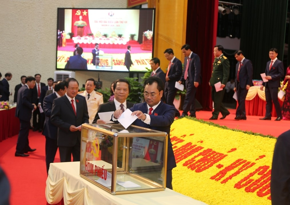 [Photo] Ra mắt Ban Chấp hành Đảng bộ tỉnh Thái Nguyên lần thứ XX, nhiệm kỳ 2020-2025