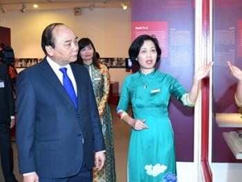 Thủ tướng Nguyễn Xuân Phúc thăm Bảo tàng Phụ nữ Việt Nam