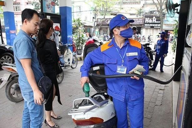 xang giam gia soc lan thu 3 giam gan 1500 donglit cuoc taxi van ngu yen