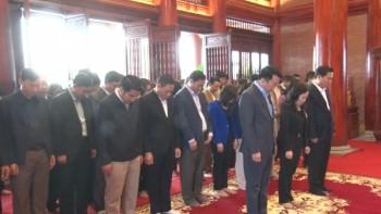 Đoàn đại biểu TP Thái Nguyên dâng hương, tưởng nhớ 60 liệt sỹ TNXP Đại đội 915