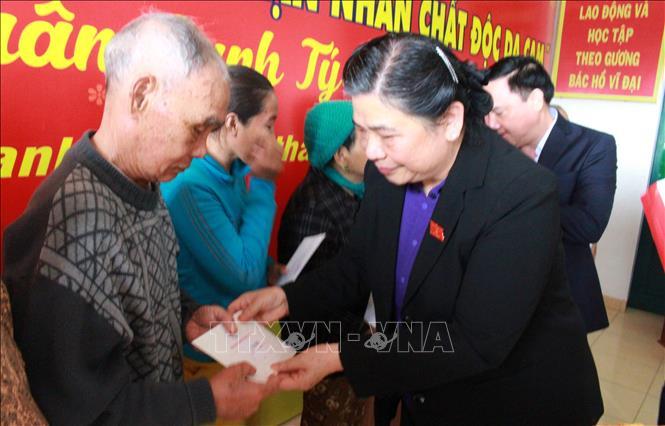 Phó Chủ tịch Thường trực Quốc hội thăm, tặng quà gia đình chính sách