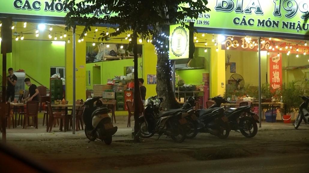 Người dân Thái Nguyên chấp hành quy định phòng chống Covid-19 sau 22h00