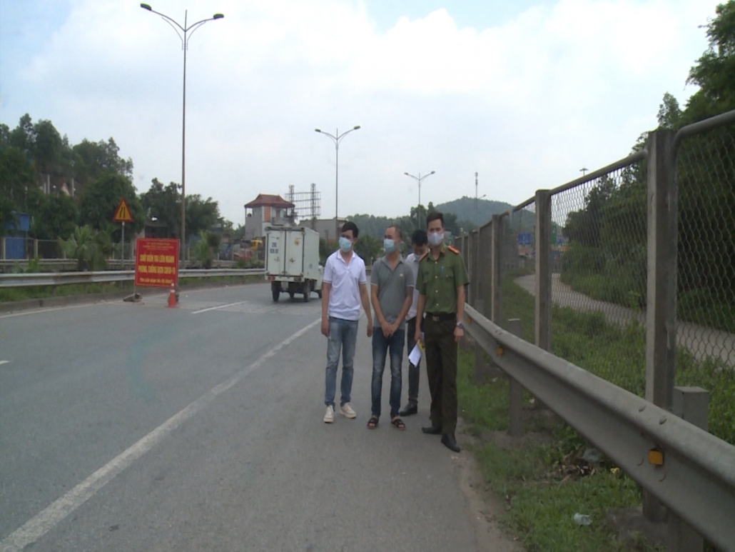 Đấu tranh, ngăn chặn tình trạng tổ chức cho người nước ngoài ở lại Việt Nam trái phép