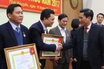 van phong uy ban nhan dan tinh trien khai nhiem vu nam 2017