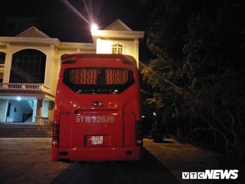 Nhóm côn đồ cướp xe khách trên đường Hồ Chí Minh ra trình diện