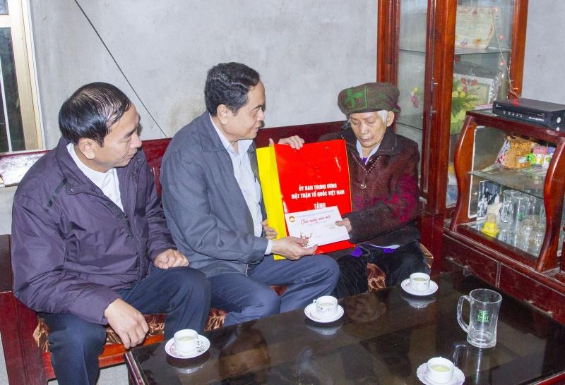 Chủ tịch Ủy ban Trung ương Mặt trận Tổ quốc Việt Nam thăm, chúc Tết tại Thái Nguyên