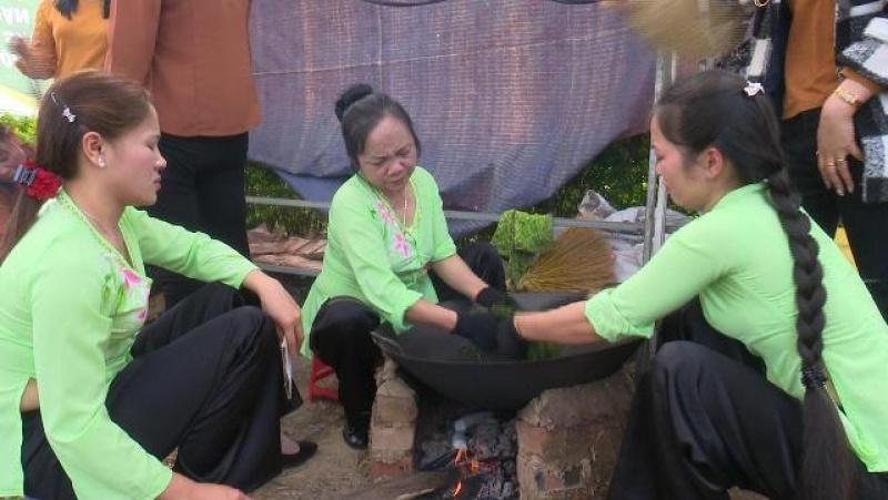 khai mac le hoi huong sac tra xuan vung che dac san tan cuong nam 2017