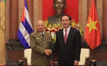 Chủ tịch nước tiếp Bộ trưởng các lực lượng vũ trang cách mạng Cuba