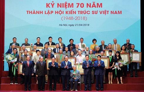 thu tuong phai tao duoc nhung cong trinh kien truc mang tam the ky