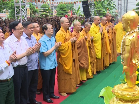 chua phu lien thanh pho thai nguyen to chuc dai le phat dan phat lich 2562 duong lich 2018