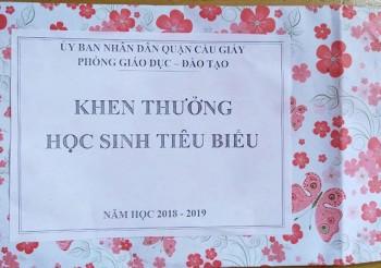 hoc sinh nhan phan thuong rong ruot phong gd dt gui thu xin loi