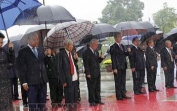 Lãnh đạo Đảng, Nhà nước tưởng niệm các Anh hùng, liệt sỹ