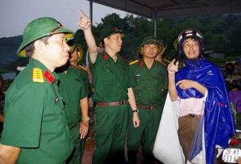 LLVT tỉnh Hòa Bình tích cực giúp dân khắc phục hậu quả mưa lũ