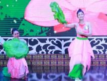 30 thi sinh tham gia phan thi tai nang cuoc thi nguoi dep xu tra lan thu iv nam 2017