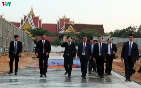 pho thu tuong trinh dinh dung lam viec tai du an nha quoc hoi lao