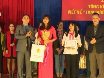 tong ket va trao giai cuoc thi viet ve tam guong nha giao viet nam nam 2017