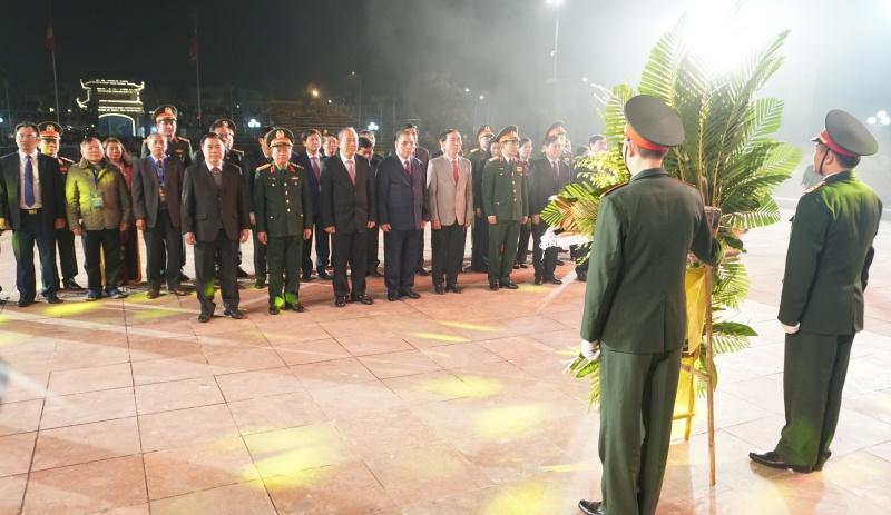 Trực tuyến: Chương trình Kỷ niệm 30 năm Ngày hội Quốc phòng toàn dân; 75 năm Ngày thành lập QĐND Việt Nam; Tưởng niệm, tri ân 60 liệt sĩ TNXP Đại đội 915, Đội 91 Bắc Thái